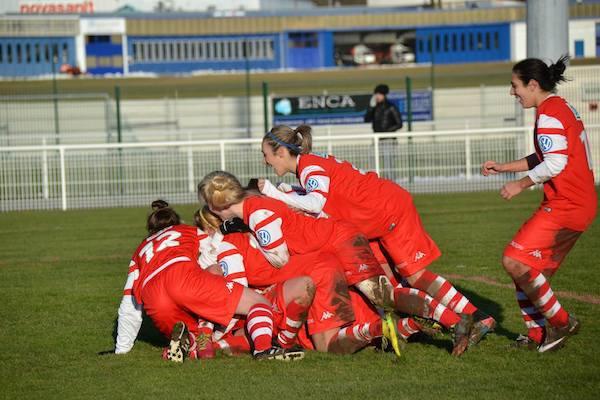 La joie des filles de l'ETG Ambilly après le but de la victoire