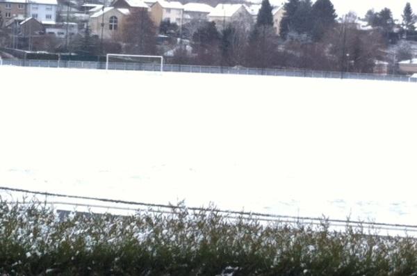 Le terrain de Metz - Guingamp était enneigé ! (photo DW)