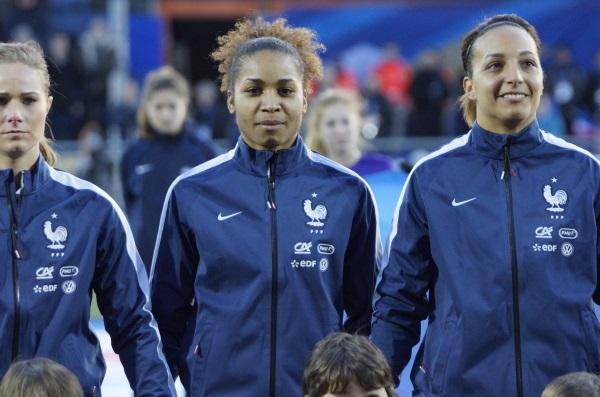 Bleues - Laura GEORGES (forfait) remplacée par Sandie TOLETTI