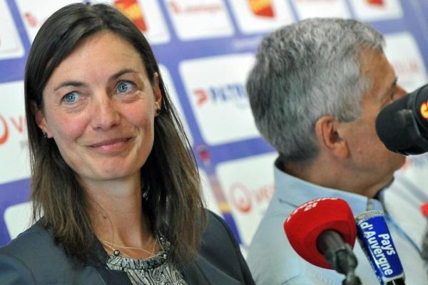À Clermont, Corinne Diacre a la chance de pouvoir s'appuyer sur un président qui croit en elle. (Crédit : AFP/Eurosport)
