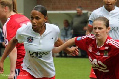 149e but en D1 pour Marie-Laure Delie qui disputait son 200e match à ce niveau (photo Jean-Luc Martinet)