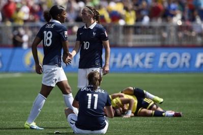 Les Françaises désabusées après le second but (photo FIFA)