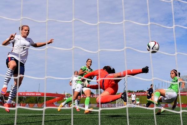 Eugénie Le Sommer et les Bleues font le spectacle (photo FIFA.com)