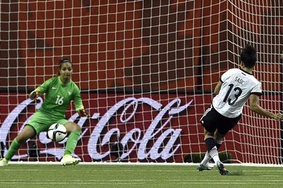 Sasic transforme le penalty égalisateur (photo FIFA.com)