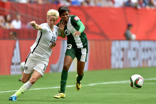 Ngozi Ebere au duel avec Megan Rapinoe lors du mondial (photo archive)