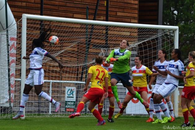 Mbock a ouvert le score de la tête (photo Aubin Lipke)