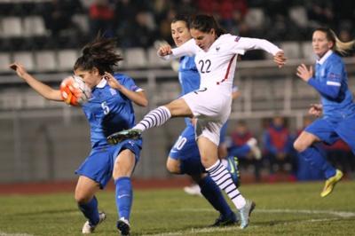 Penalty raté pour Majri (photo Sakis Mitrolidis)