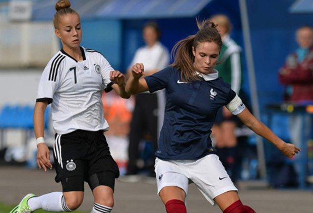 Nouveau match pour les Françaises, ici Tess Laplacette, face à l'Allemagne (photo DFB)