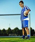 Permi Jhooti portant les couleurs du FC Concordia