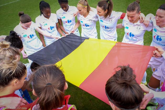 Intense moment de recueillement après les attentats en Belgique, pays de Janice Cayman