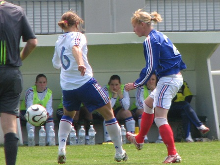 Elodie Cordier face à Laura Bardet