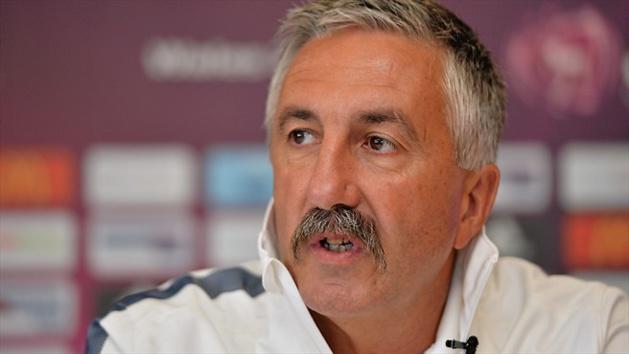 Gilles Eyquem disposera de 36 joueuses pour ce rassemblement en Bretagne (photo UEFA)