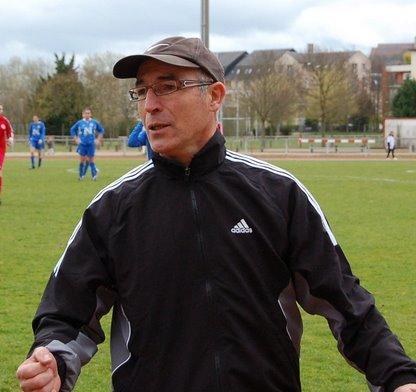 Difficile apprentissage de la D1 pour Evreux et leur entraineur, avec le lourd revers à Juvisy (2-14)