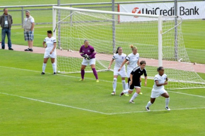 La gardienne Stéphanie Legrand et sa défense se sont inclinées à trois reprises (photo Police Football)