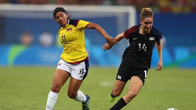 Usme à gauche, a réalisé un doublé (photo FIFA.com)