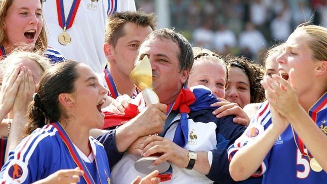 2003, première ligne au palmarès (photo UEFA.com)