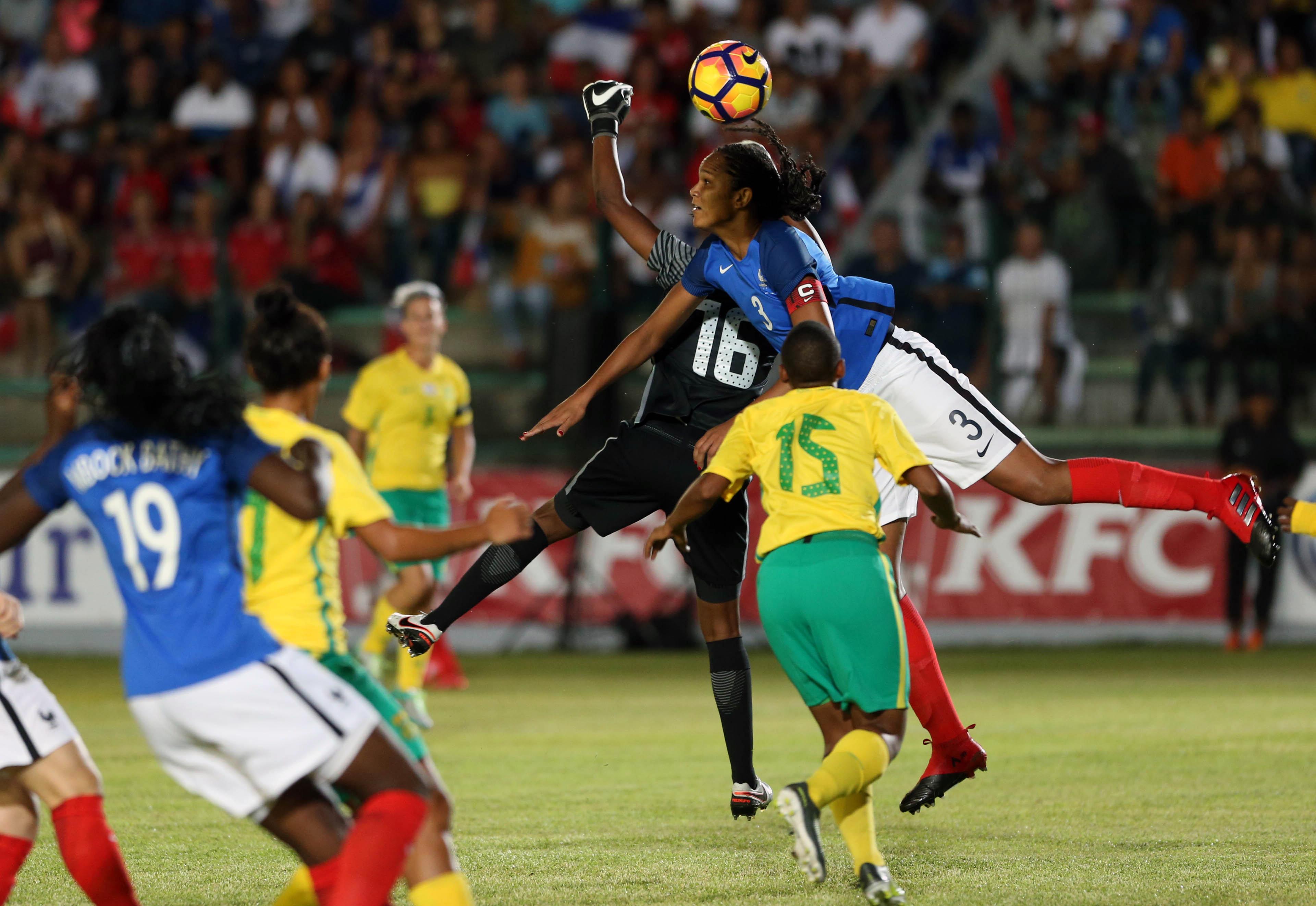 Renard a souvent joué en position haute pour bousculer la défense sud-africaine (photo Sanogo/AFP)
