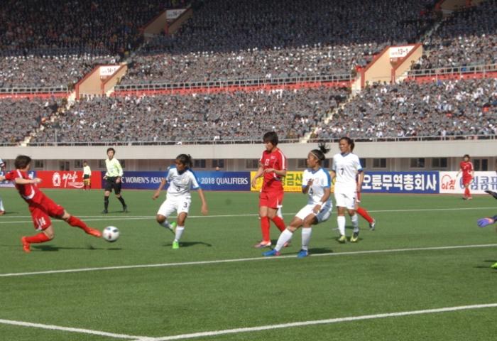 Le stade de Pyongyang a accueilli la première rencontre éliminatoire en Corée du Nord