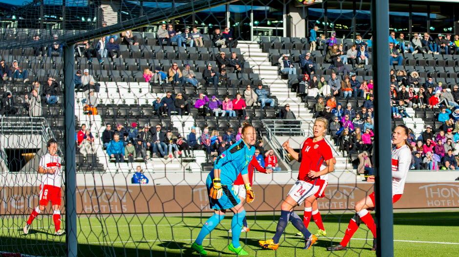 Hegerberg et la Norvège battent la Suisse 2-1 (photo Fotball.no)