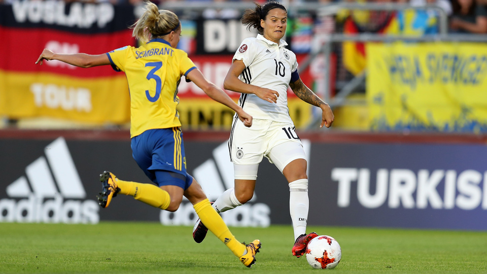 Les attaques de Marozsan sont restées muettes devant la défense de Sembrant (photo UEFA.com)
