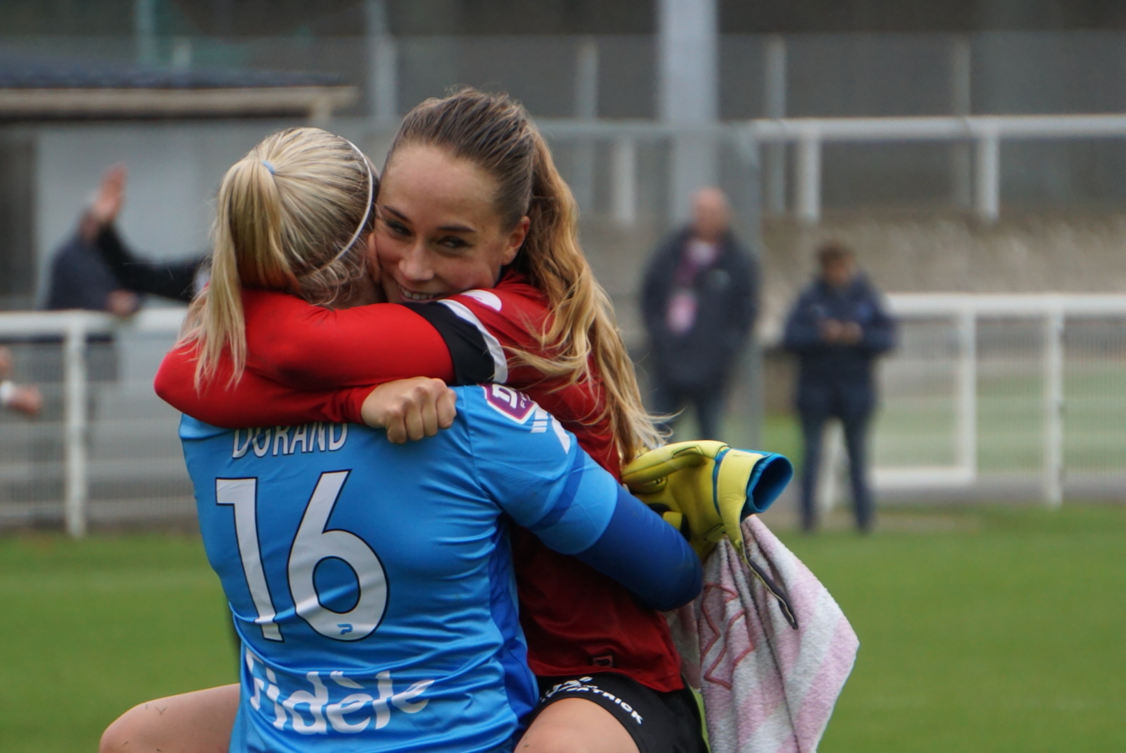 Durand et Lorgeré se congratulent (photo footofeminin)