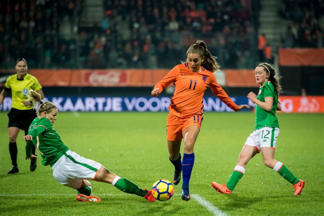 Les Pays-Bas de Martens ont pêché dans le dernier geste face à l'Irlande