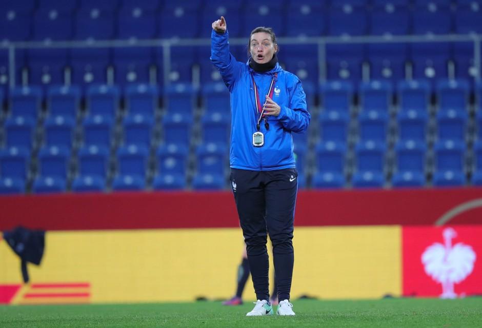 """Bleues - Corinne DIACRE : """"Certaines filles ont gagné plus de points que d'autres"""""""