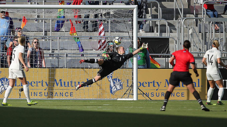 L'ouverture du score d'Henry a lancé les Bleues vers la victoire (photo DFB)