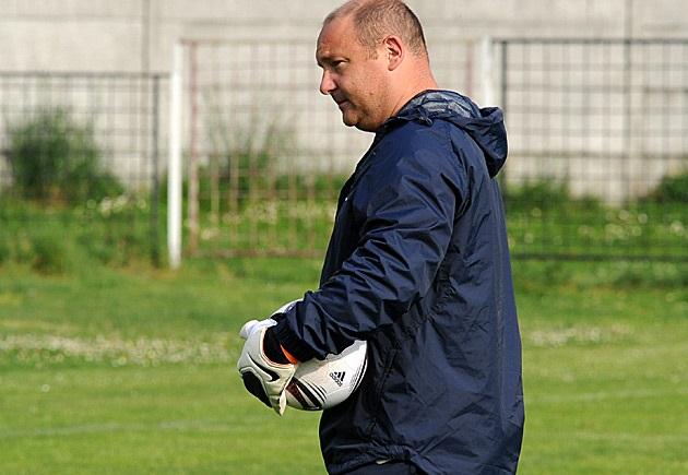 Gilles Fouache avec la sélection U17 en 2011 (photo FFF)