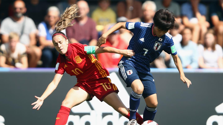 Retrouvailles après le match de groupe remporté par l'Espagne (photos FIFA.com)