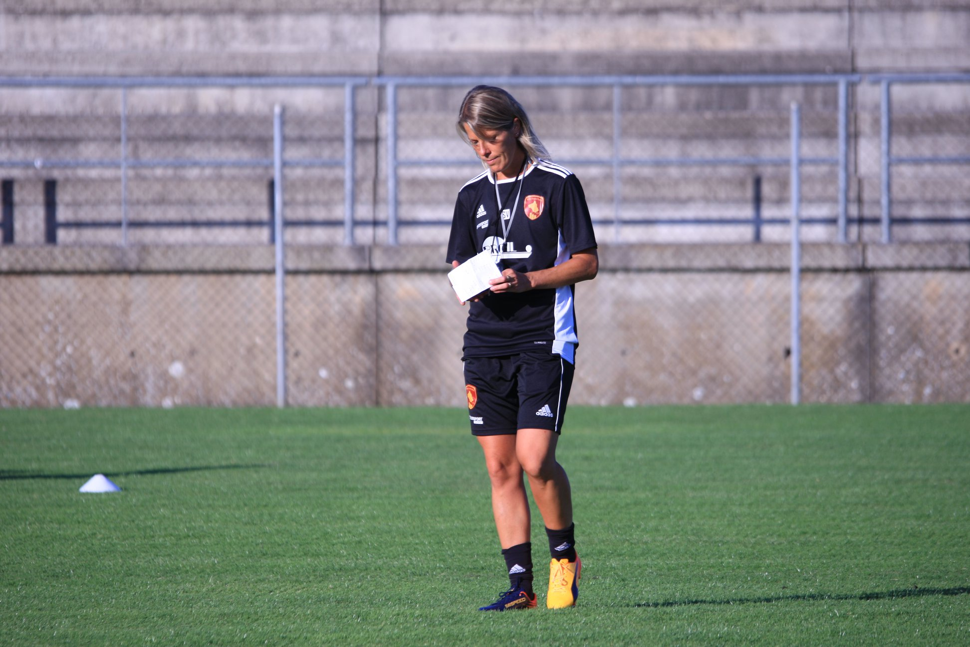 Viguier, seule femme entraîneur en D1 cette saison (photo RAF)