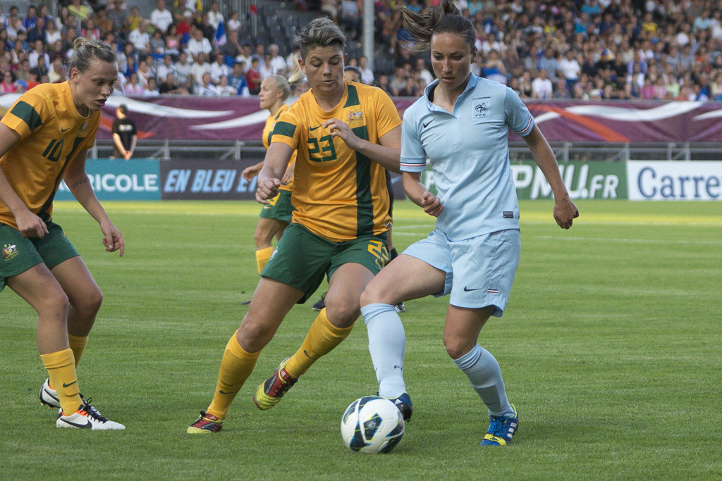 Thiney en 2013 face à l'Australie (photo Eric Baledent/footofeminin.fr)