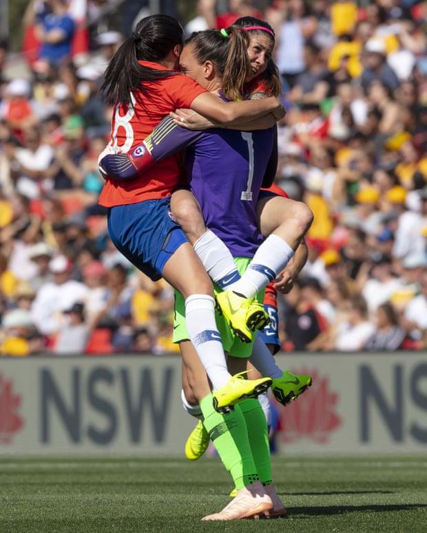 La Parisienne Endler, capitaine de la sélection chilienne qui a décroché une victoire historique