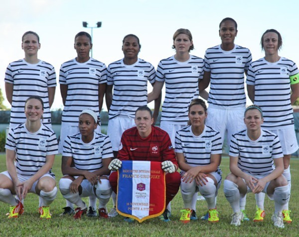 Le onze aligné face à l'Uruguay en 2011 (photo archive FFF)