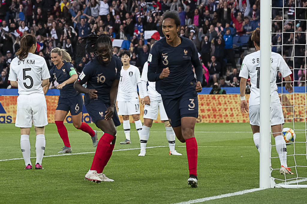 Wendie Renard s'offre son 3e doublé en Bleue (photo Eric Baledent/FOF)