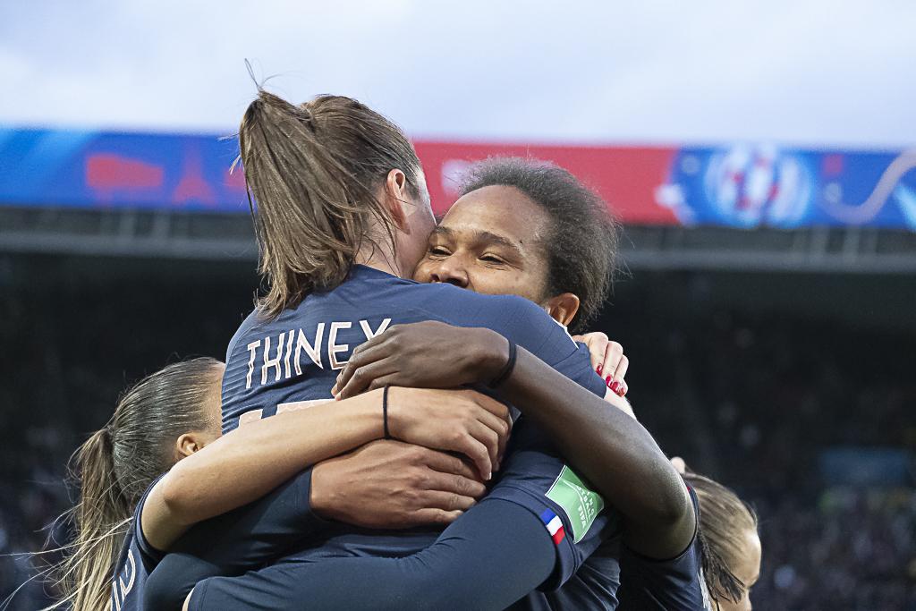 Thiney et Renard, partenaires heureuses (photo Eric Baledent/FOF)