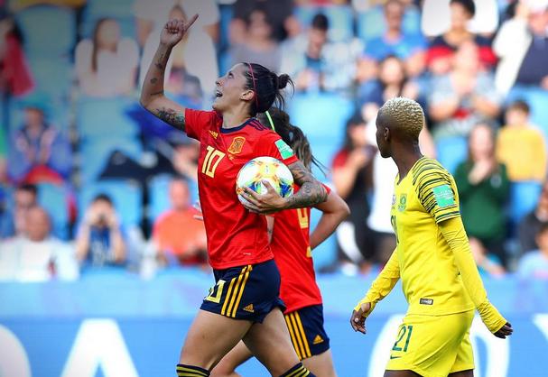 Doublé d'Hermoso sur penalties (photo FIFA.com)