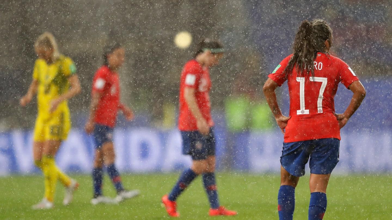 La pluie a interrompu le match durant près de 45 minutes à Rennes (photo FIFA.com)