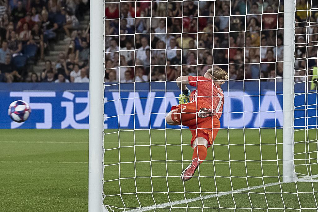 Coupe du Monde - Linda SEMBRANT (Suède) : « Je savais que Lindahl allait arrêter le ballon »