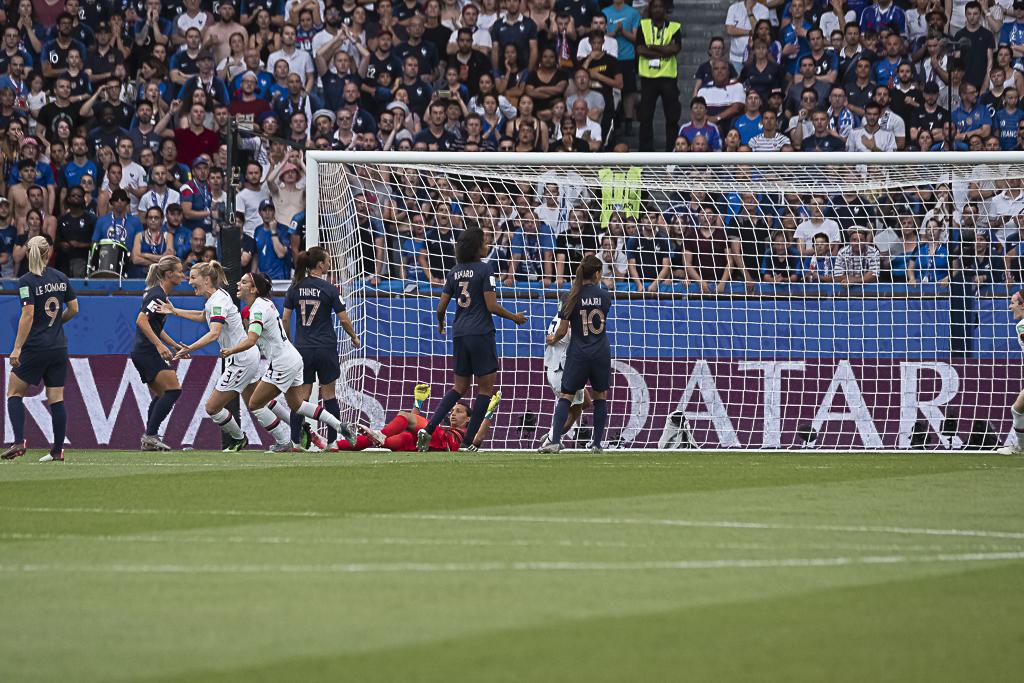 Le but concédé par les Bleues tôt dans le match (photo Eric Baledent)