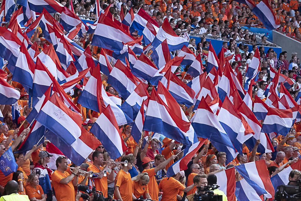 Les Orange ont soutenu leurs protégées (photo Eric Baledent/FOF)