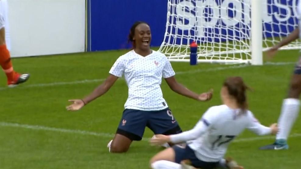 Entrée décisive de Malard (photo UEFA.com)