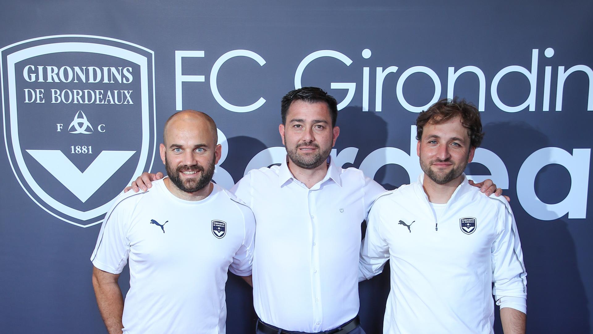 Pedro Martinez Losa entouré de José Barcala Garcia et Damien Lopez (photo FCGB)