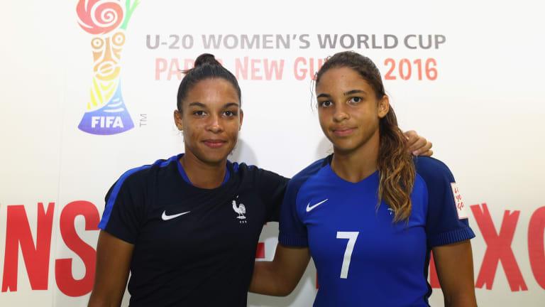 Les deux jumelles ensemble avec les U20 en 2016 (photo FIFA)