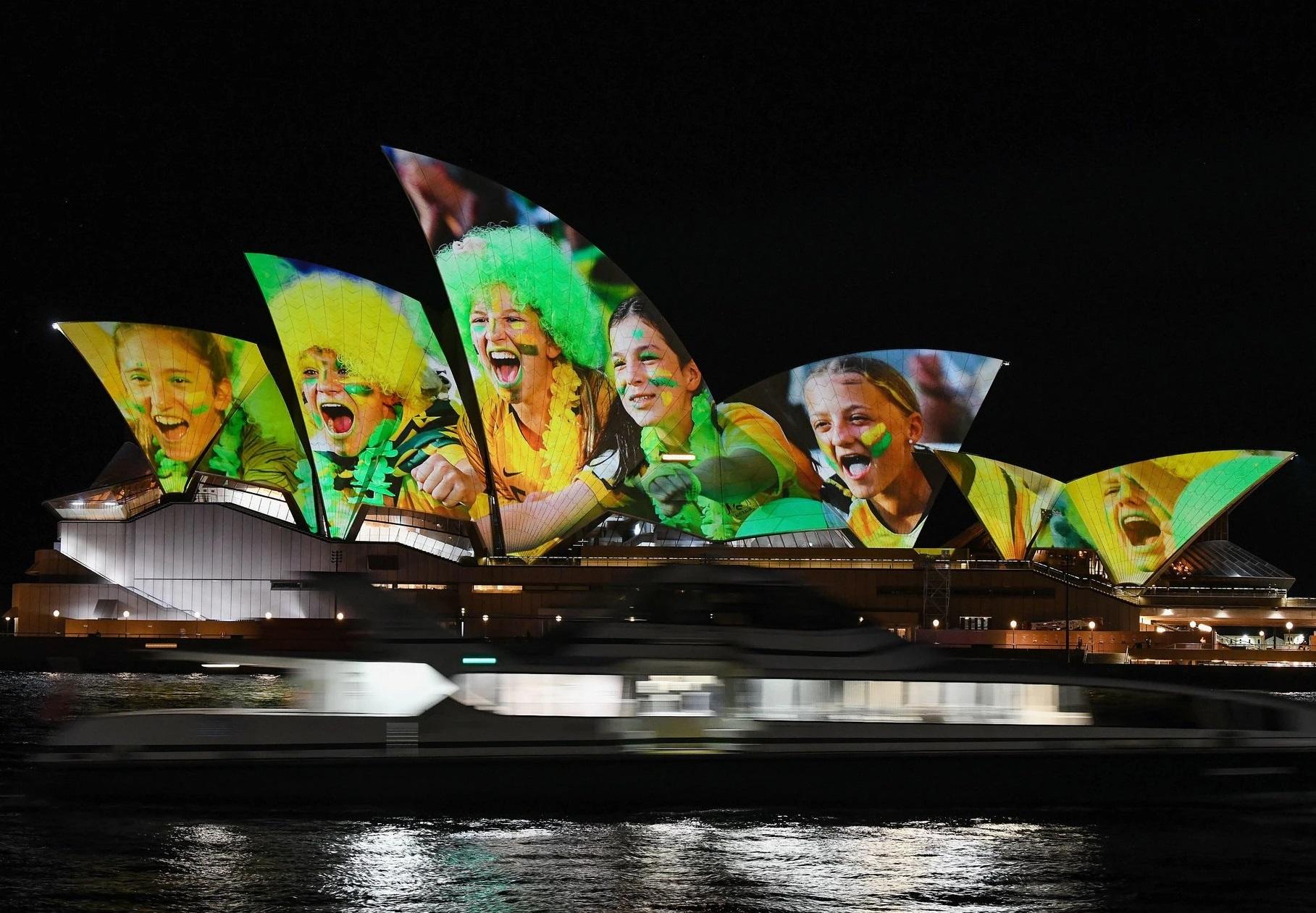 Le mythique Opéra de Sydney s'était mis aux couleurs pour soutenir la candidature (photo DR)