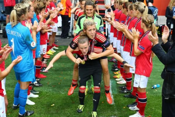 Les Allemandes championnes d'Europe en juillet dernier (photo uefa.com)