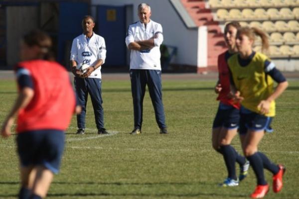 Les coachs de l'élite française du foot féminin ont pu discuter en petit comité