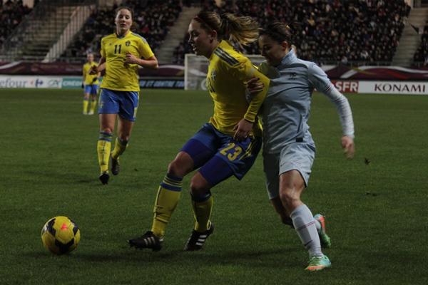 "Bleues - Jessica HOUARA : ""Solides défensivement"""