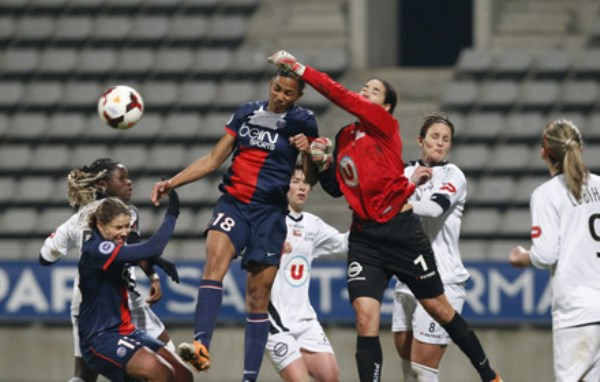 Grâce à leur nette victoire (4-0) face à Guingamp lors de la dernière journée, les Parisiennes occupent provisoirement la tête du championnat, en attendant le match reporté de l'OL à Rodez (Photo : PSG).
