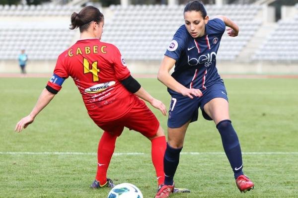 Aurélie Kaci, ici face à la Ruthénoise Séverine Cabec, assure vouloir remporter un trophée avec son club cette saison (Photo : club).